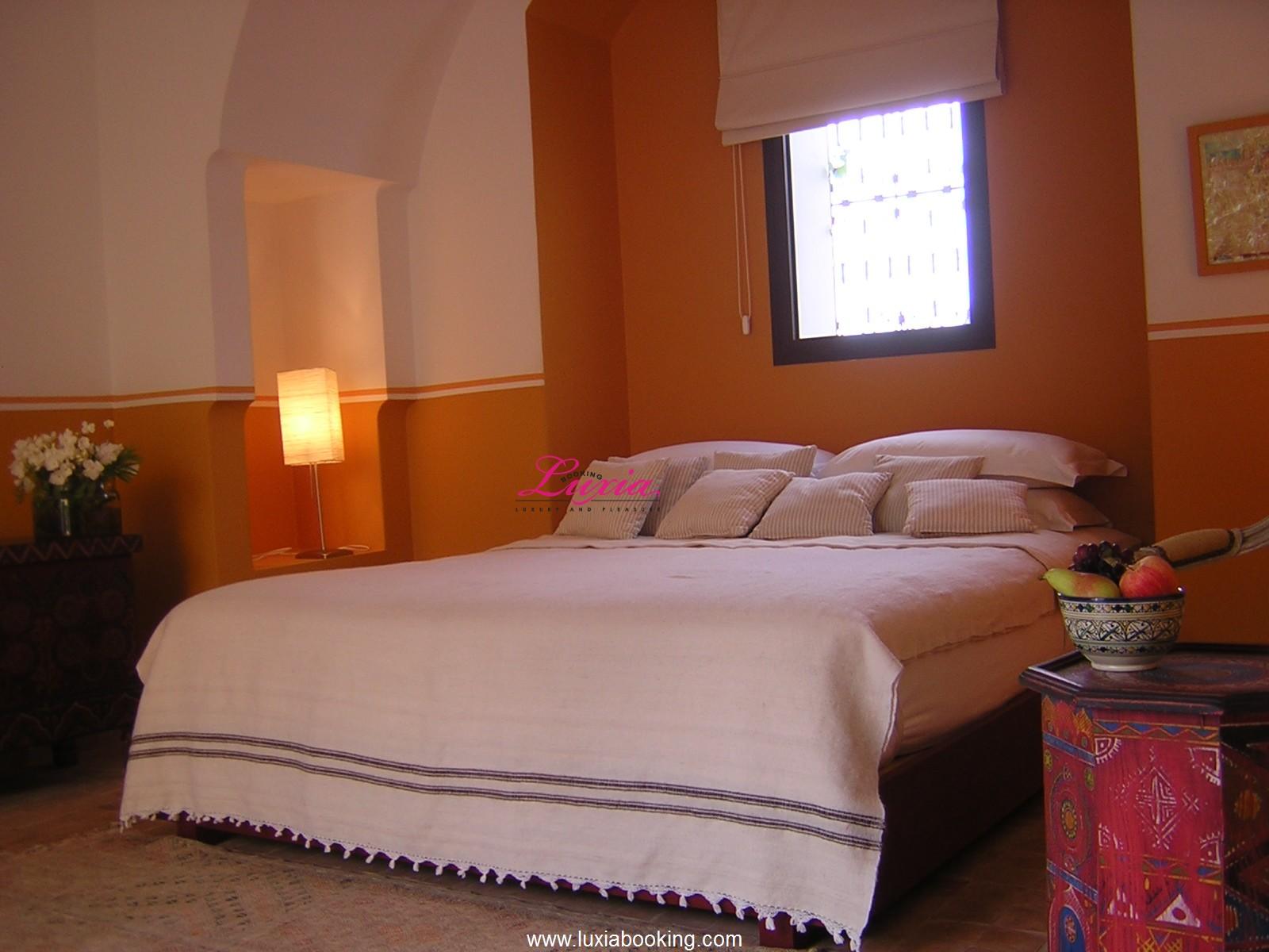 Deco chambre beige et prune for Peindre une chambre adulte