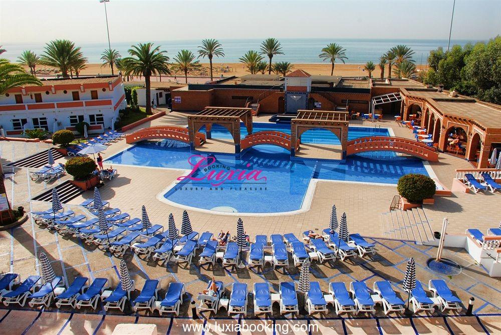 Hotel club almoggar garden beach agadir agadir for Club rabat piscine