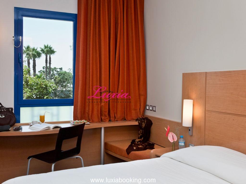 Hotel ibis moussafir rabat rabat for Appart hotel ibis