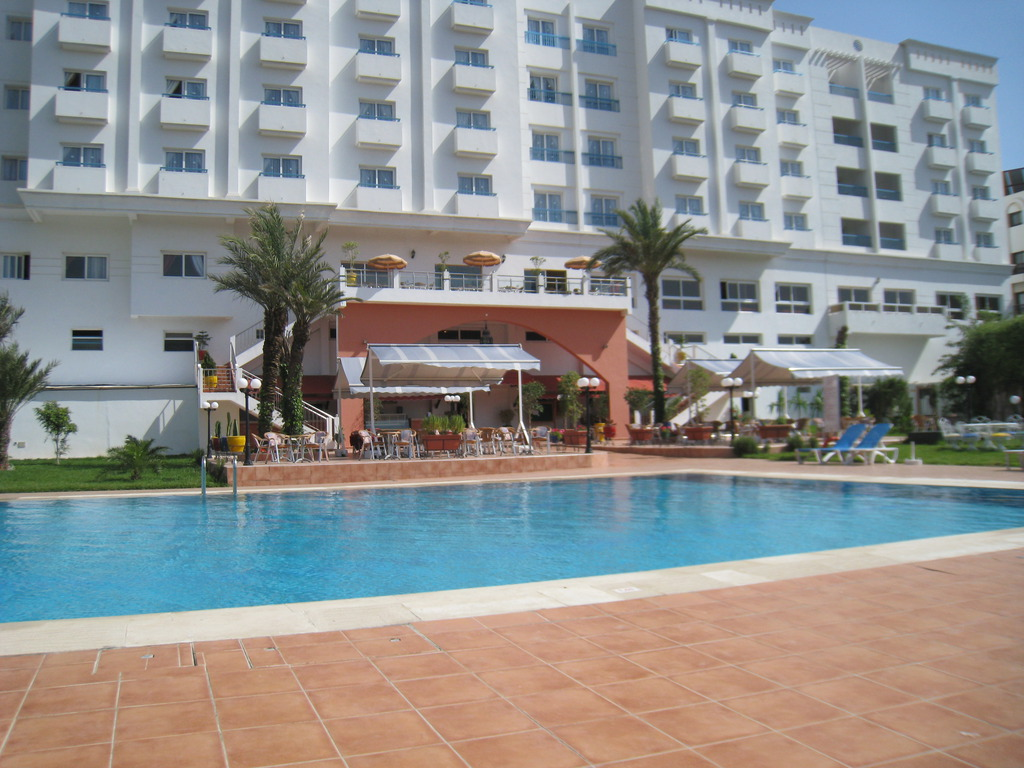 Hotel tildi spa agadir agadir for Piscine demontable maroc